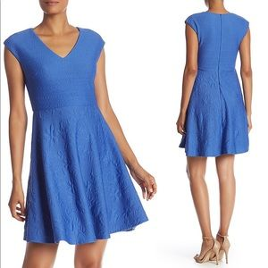 💙 NWT Taylor Dress Flattering Blue Fit & Flare